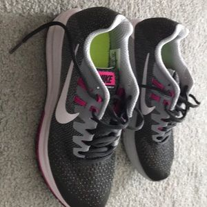 Nike Zoom Structure 20 woman's shoe size 8.5